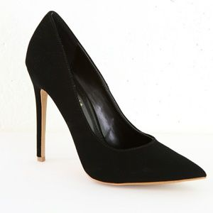 BRAND NEW Black Pointed-toe Suede Pumps